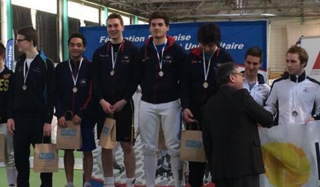 Podium par équipes Fleuret, l'équipe EMLV championne de France