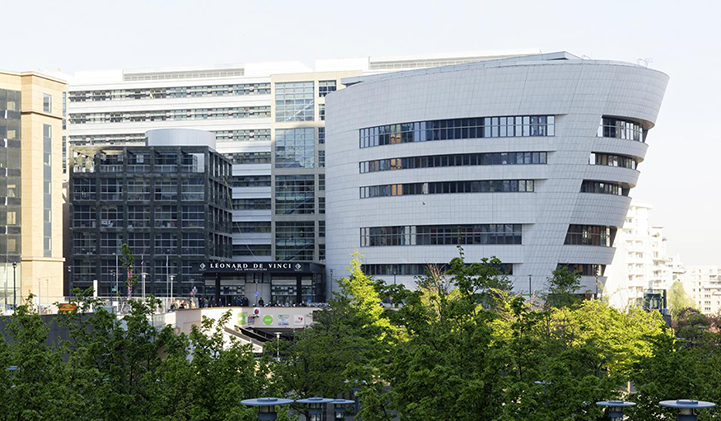 EMLV's campus, right in the heart of Paris business district