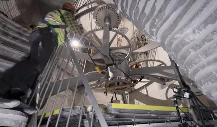 Amazon Clock - Amazon's Relentless Growth: How Big Is Too Big?