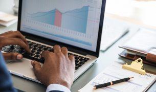 growthhacker 305x180 - Négociation & Management des Affaires
