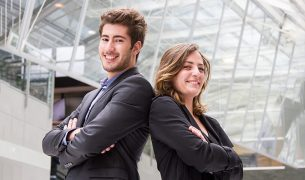 Creer son entreprise Maylis et Julien Devinci Startup 305x180 - Créer son entreprise : quel statut juridique et fiscal choisir ?