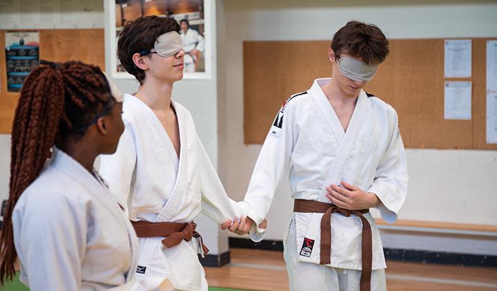 """Atelier handisport judo - En route pour 2024 :  La Semaine Olympique et Paralympique des écoles du Pôle Léonard de Vinci, labellisé """"Génération 2024"""""""