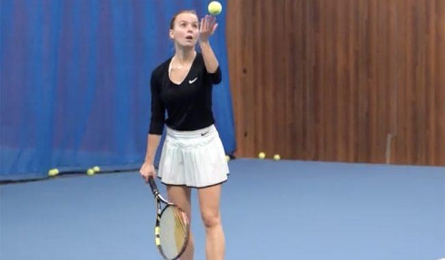 Anaïs, promo 2023, est étudiante de la filière sportifs de haut niveau à l'EMLV