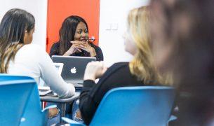 Au sein de l'EMLV, les étudiants peuvent commencer par un bachelor en école de commerce